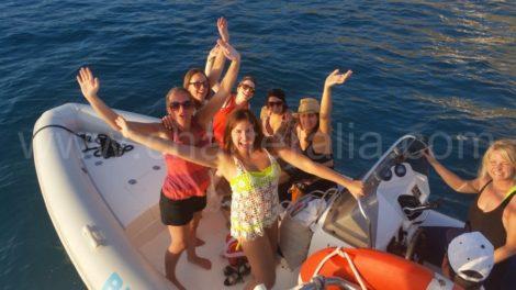 dinghy service bij Blue Marlin Cala Jondal Ibiza