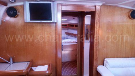 lounge Bavaria 46 zeilboot