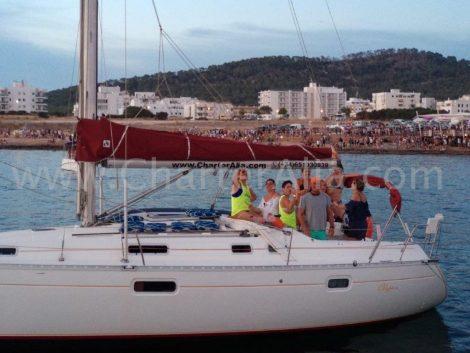 Zeilboot voor vrijgezellenfeest in Formentera