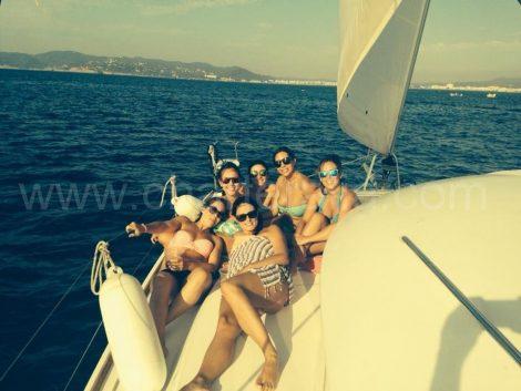 huur een boot in Santa Eulalia, varend door de Freus