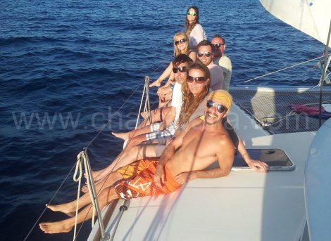 Boog van de catamaran naar formentera