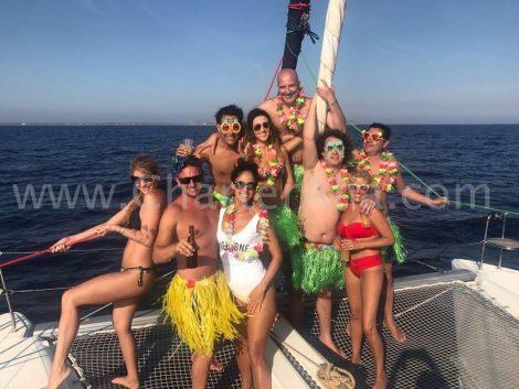 De lagune 380 is ideaal om met vrienden te huren en een geweldige dag door te brengen