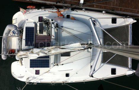 Foto van de mast van de catamaran