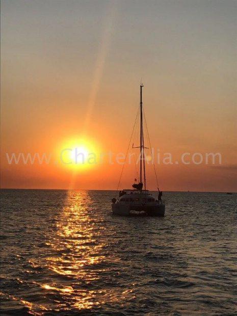 Onvergetelijke zonsondergang aan boord van de Catamran-lagune op Ibiza en Formentera