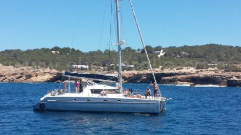 bootverhuur catamaran vela ibiza