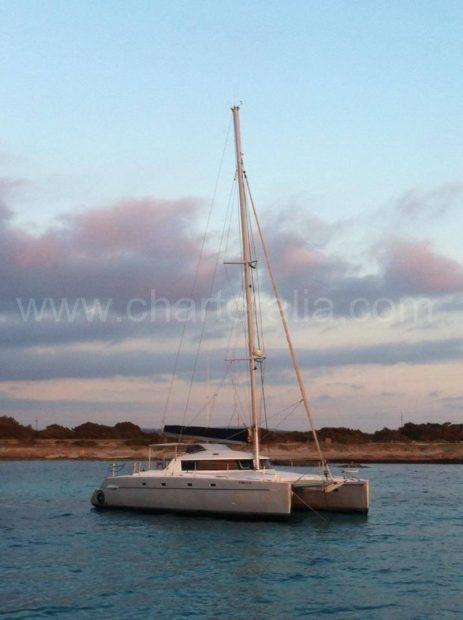 catamaranverhuur Fountaine Pajot Belize 43 op Ibiza en Formentera