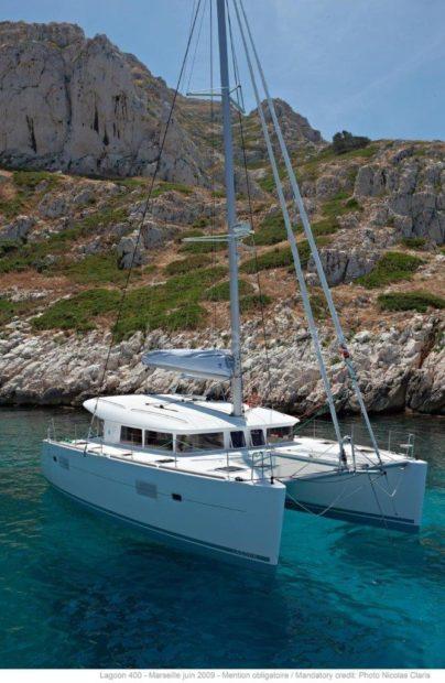charter catamaran verankerd formentera