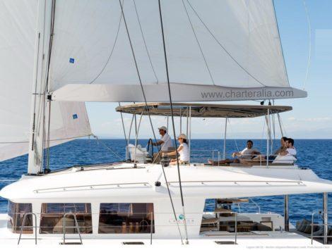 dubbeldeks luxe catamaran zeil Lagoon 560