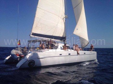 huur catamaran fountaine pajot ibiza