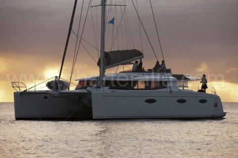 luxe catamaran Victoria 67