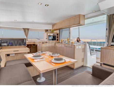 nieuw interieur huur catamaran lagoon 400 s2