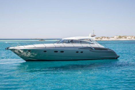 Princess V58 zijaanzicht verhuur in Formentera