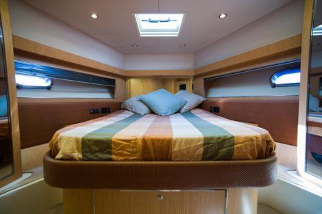 Riva 68 Ego te huur in Ibiza dubbele cabine