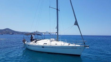 Aluguer de barco a vela em Ibiza Beneteau Oceanis 383