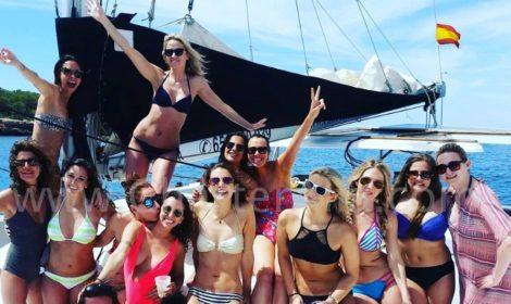 Grupos de despedida de solteira em catamaran de aluguer em Ibiza e Formentera Lagoon 380 2018
