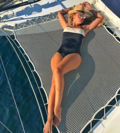 A rede e uma otima opcao para se deitar e ter a sensacao de flutuar nas ondas