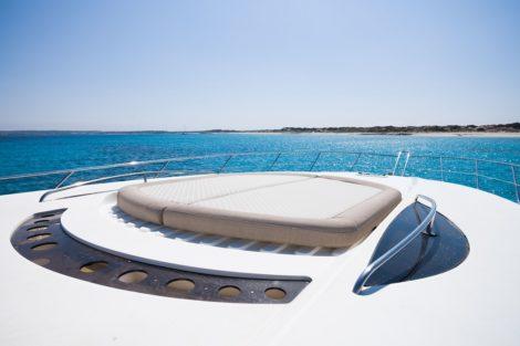 Dia no mar Ibiza Sunseeker Predator 75