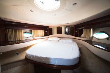 PRINCESS V65 - cabine mestre - aluguer de barco ibiza