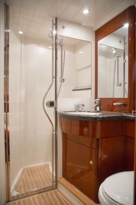 V58 Princess banheiro de luxo pernoite