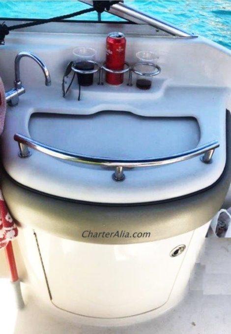 Внешняя моика на скоростном катере Sea Ray 270 на Ибице