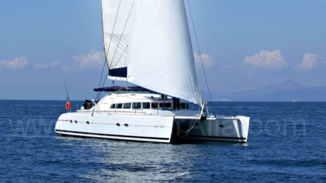 Катамаран Lagoon 470 доступен для аренды на Балеарских островах