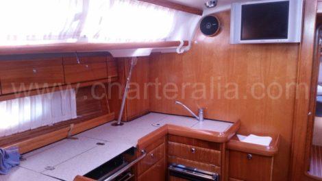 Bavaria 46 камбуз парусная лодка