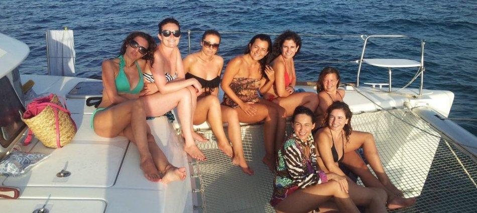Despedidas de soltera en catamaran Ibiza