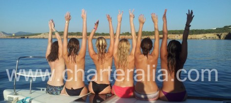 catamaran Ibiza despedida de soltera
