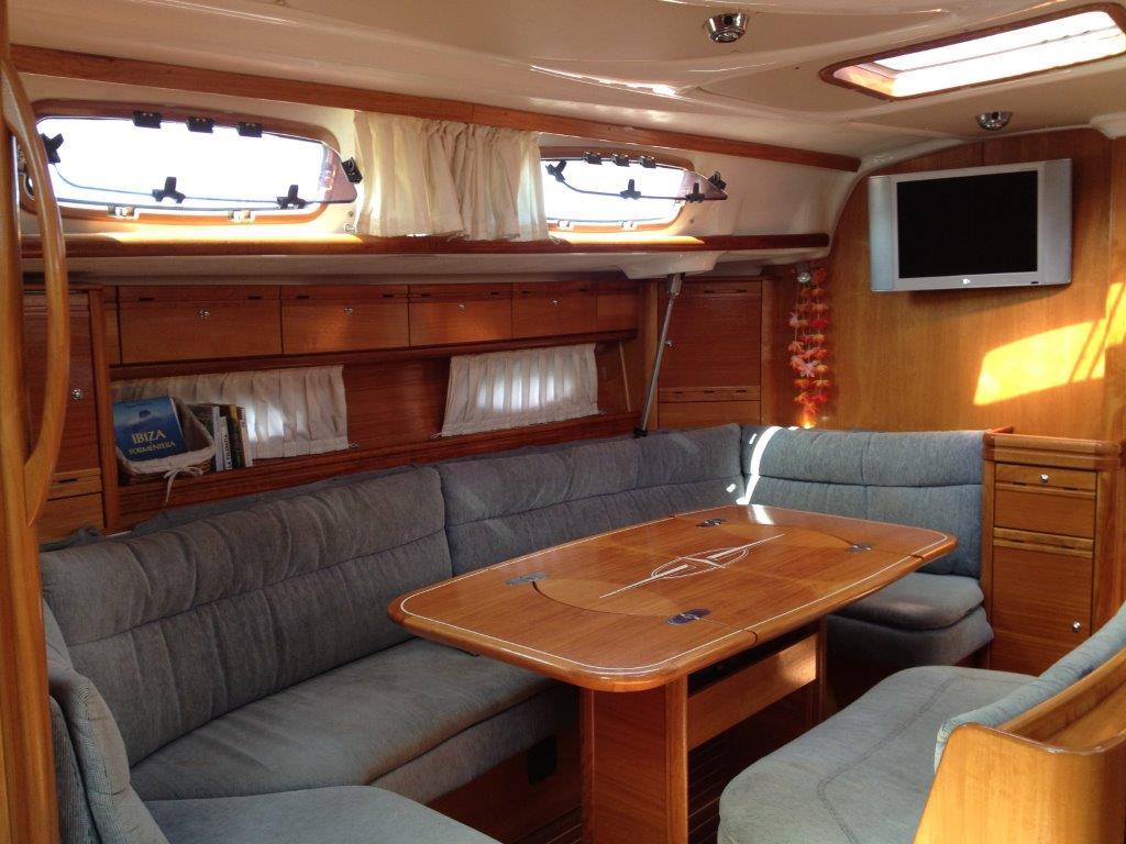 Alquiler barcos Ibiza baratos, velero Bavaria 50, 10 pax, 5 cabinas