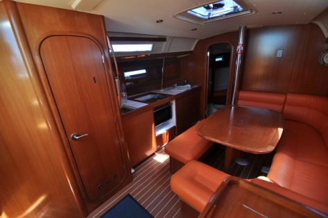 Salon barco Dufour 365 Grand Large