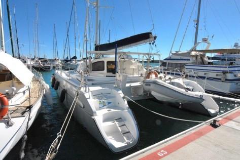 popa catamaran puerto Ibiza