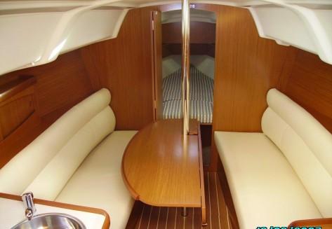 cabina de proa velero alquiler ibiza ciudad
