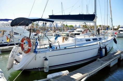 barco de alquiler con patron en Ibiza