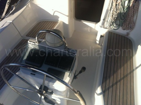 Timon barco Beneteau Ibiza Oceanis