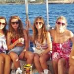 Las amigas de la novia en el barco desde Ibiza a Formentera