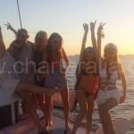 celebracion por todo lo alto de una boda en catamaran en ibiza