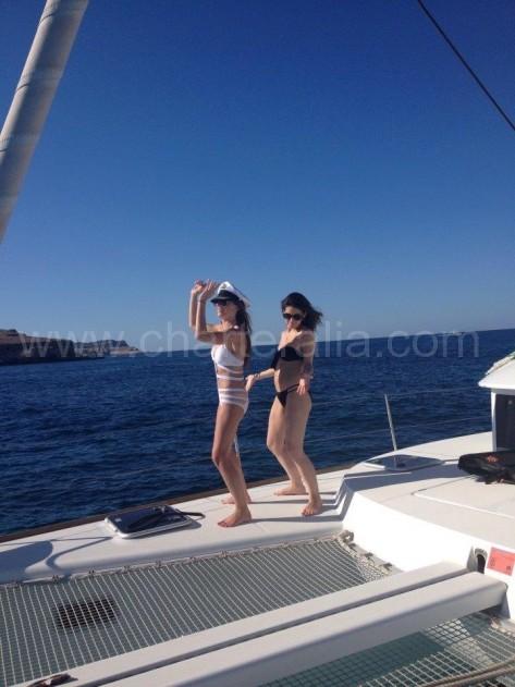la amplitud de un barco de alquiler como el lagoon 380