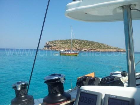 vistas desde el barco isla del bosque ibiza