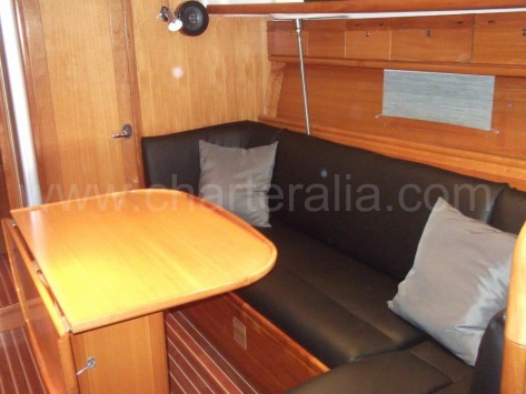 sofa salon barco Bavaria 37 Ibiza