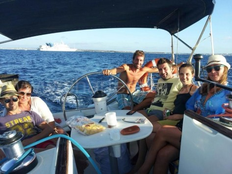Alquiler de velero para excursiones de dia en Ibiza