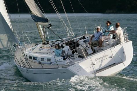 alquiler de barcos en ibiza dufour 425 en navegacion