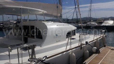 Barco con amarre en Ibiza