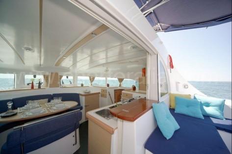 Exterior catamaran Lagoon 380 2014