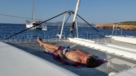 Red del Lagoon 450 Ibiza Formentera charteralia
