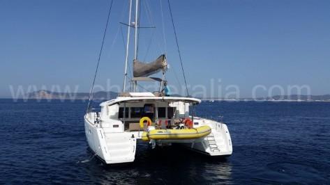 parte trasera Lagoon 450 en Formentera