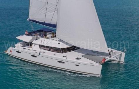 Catamaran para alquilar en Ibiza de lujo