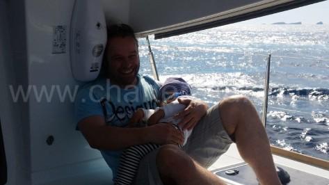Estabilidad y seguridad maxima en el catamaran de alquiler de un dia Lagoon 400 en ibiza