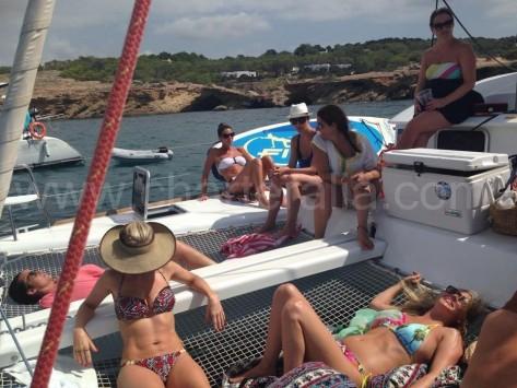 Paseo en catamaran un dia en Ibiza y Formentera