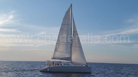 Catamaran de 16 metros para alquiler de barcos en Ibiza