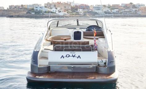 Motora Baia Aqua 54 para alquilar en Ibiza y Formentera